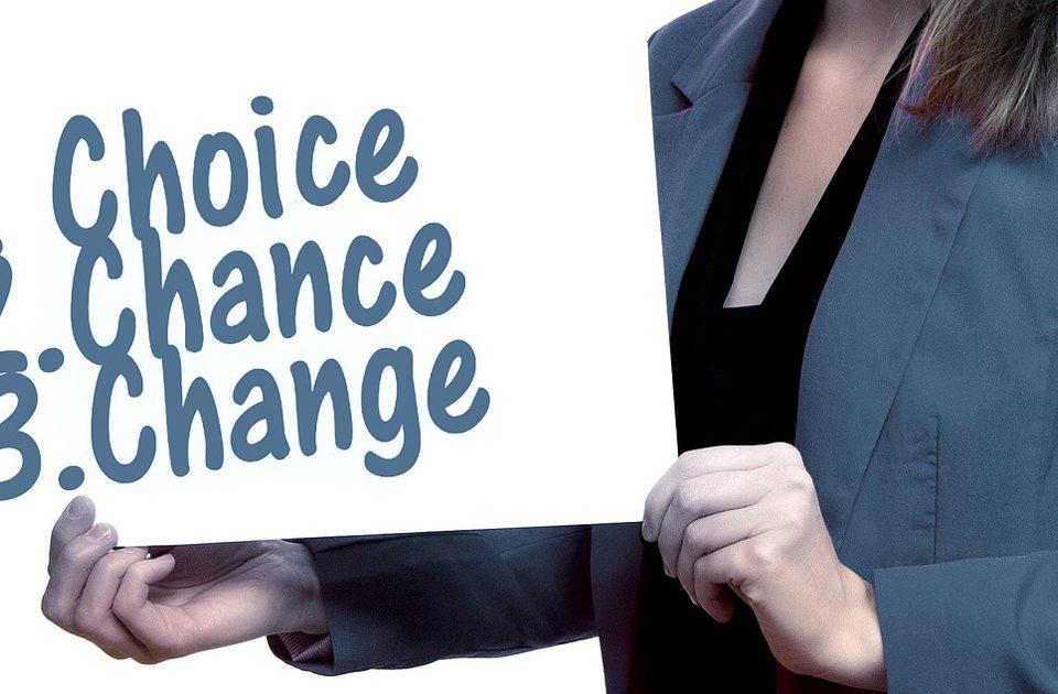 imagen de mujer empresaria 1. elección 2. oportunidad 3. cambio