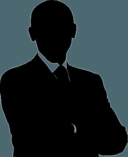hombre de negocios de brazos cruzados