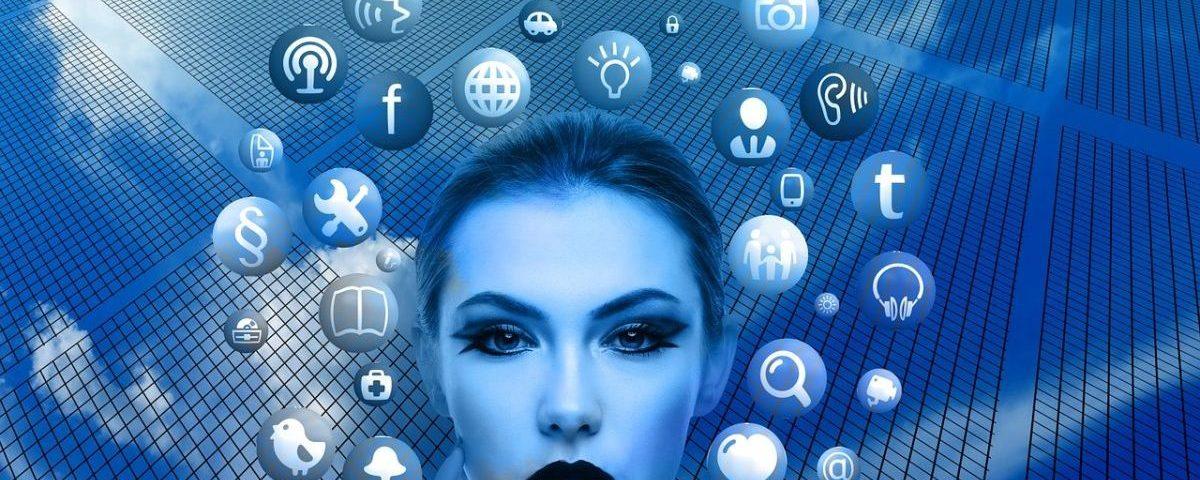 Imagen de cabeza de mujer e iconos de redes sociales